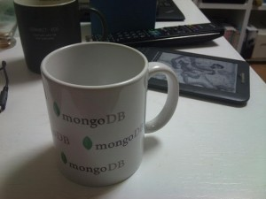 自腹で購入したMongoDB マグカップ