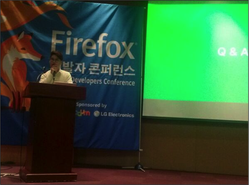 Presenting at the Firefox DevCon in Seoul.